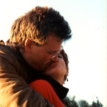 mat peggy kiss